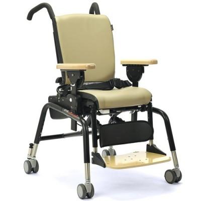 Το κάθισμα δραστηριοτήτων απευθύνεται σε παιδιά με ελαφρά, μέτρια ή ακόμα και βαριά αναπηρία