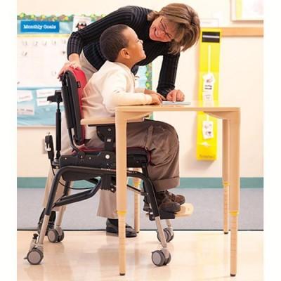Το ύψος ρυθμίζεται εύκολα ώστε το παιδί να συμμετέχει σε δραστηριότητες στο σχολείο, στο σπίτι ή κατά την εργοθεραπεία