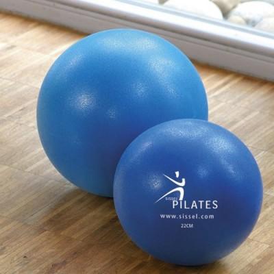 Οι μπάλες Sissel® Pilates Soft Ball διατίθενατι σε δυο διαμέτρους των 22cm και 26 cm
