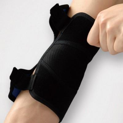 Η τοποθέτηση της περιαγκωνίδας γίνεται με μεγάλη ευκολία χρησιμοποιώντας το ένα χέρι