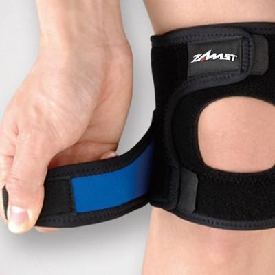 Η τοποθέτηση της επιγονατίδας γίνεται χωρίς να βγάλετε το παπούτσι ενώ η  ρύθμιση της συμπίεσης αυξάνει την αποτελεσματικότητα