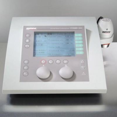 Διαθέτει μεγάλη οθόνη και εύκολο μενού που καθοδηγεί το φυσικοθεραπευτή στην επιλογή του καταλληλότερου προγράμματος θεραπείας